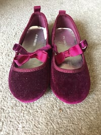 Children's shoes size 8 Milton, L9T 5R2