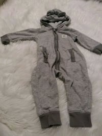 New w/out tag Carters hooded zipper onesie SZ 6Mo. Gambrills, 21054