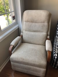 Lazboy recliner chair Richmond Hill, L3T 7T7