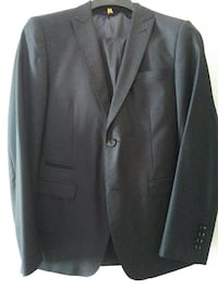 Strauss young men suit size 36slim