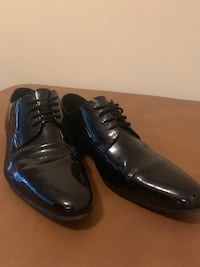 Pair of black leather dress shoes Ypsilanti, 48197