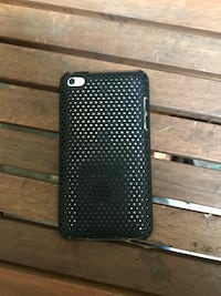 Black and white polka dot case with iPod 4 with charge cord  Troutdale, 97060