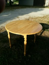 FAMILY TABLE 4 PERSON BEAUTIFUL TABLE Morris, 60450
