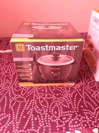 10 cup rice cooker new in box never use  The Bronx, 10454