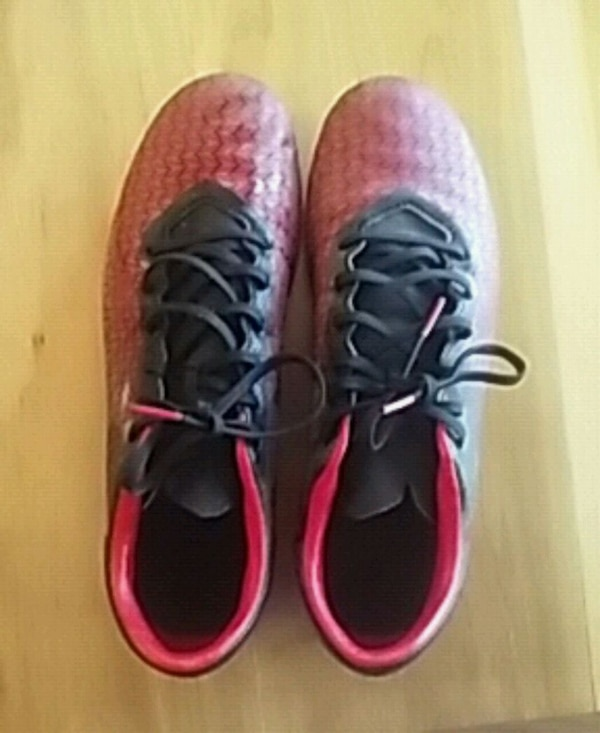 8ef0787b110 Used Under Armour Soccer Cleats- Red + Black  9.5 Mens for sale in Brooks -  letgo