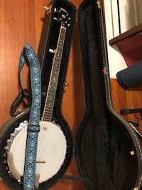 Washburn 5-string banjo New Orleans, 70118