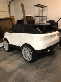 Kids Range Rover, Electric (Brand New) Westtown, 10998
