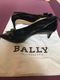 All leather shoes, sizes 7.5-8 Sherwood Park, T8H 0B4