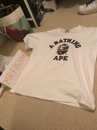 Size L bape tee 10/10 cond  Vancouver, V6G 3G5