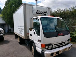 2005 GMC W4500 Refrigerated Box Truck Reefer