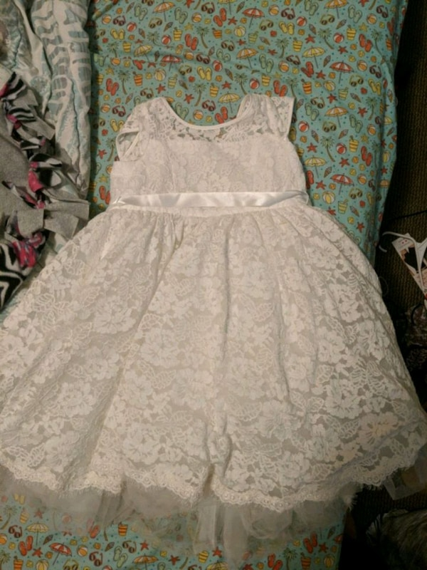 b15cd8a047a Used Flower girl dress davids bridal for sale in Wallingford - letgo