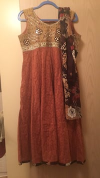 women's brown and red floral sleeveless dress Surrey, V3T 4M4