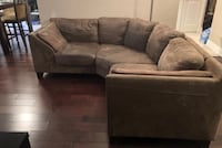 Brown fabric sectional sofa. Great conditions. No damage 542 km