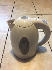 Ovente 1.7L BPA-Free Electric Kettle College Park