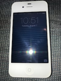 White IPhone 4 (8 GB)  Raleigh, 27609