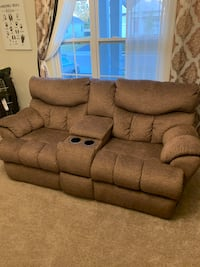 Brand New Reclining Couch w/Cup Holders Pickerington, 43147