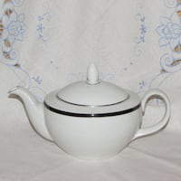 Teapot Royal Doulton Bone China Oxford Midnight Mississauga