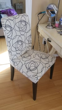 TUFFED CHAIR FOR VANITY Rockville