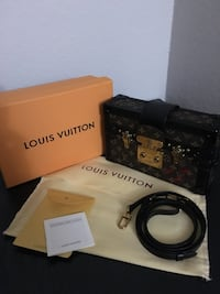 Louis Vuitton trunk limited edition  Fort Worth, 76116