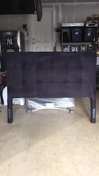 Black tufted queen size headboard Gaithersburg, 20878