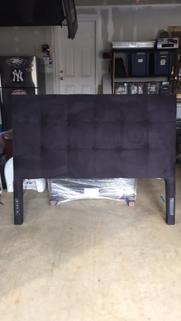 Black tufted queen size headboard