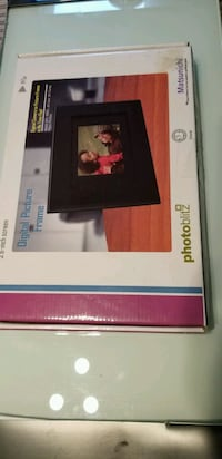 Digital Picture Frame fastest pickup Toronto, M4A 2X4