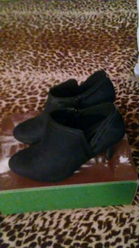 Black ankle boots never worn Antioch