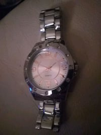 round silver-colored analog watch with link bracelet Winnipeg, R2L 0C8