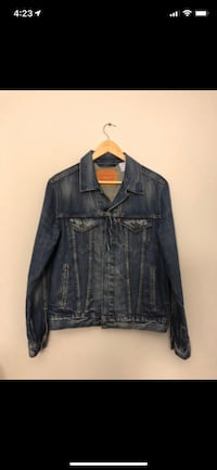 Levi's Blue Denim Jacket - Small Winnipeg, R3Y 1N3