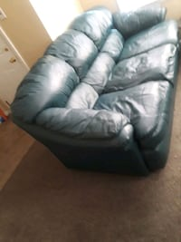 Green Leather Couch Wyandotte, 48192