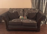 Couch & loveseat  St Catharines, L2P