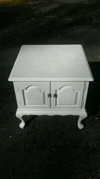 End Table Fairfax, 22030