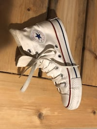 CONVERSE SIZE 5- New cond  Mississauga, L5A 3C1