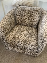 Leopard print spin chair for living room  Las Vegas, 89117