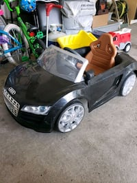 Audi r8 spider 6v for sale 100 dollars