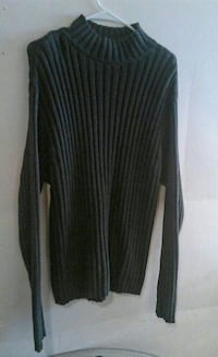 Mens medium Gap sweater. Great condition