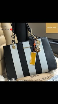 Mm black and white stripes with extra strap  Mississauga, L5A