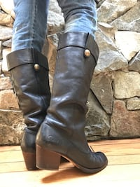 Perfect Coach Leather Boots West Vancouver, V7V 3J3
