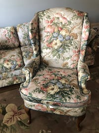 Vintage quilted floral sofa and chair Virginia Beach, 23464