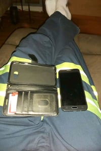 Samsung lunar pro with wallet like case. Got newer one is all. Toronto, M9W 4C6