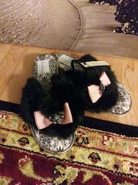 Pretty you London slippers plush Alexandria, 22306