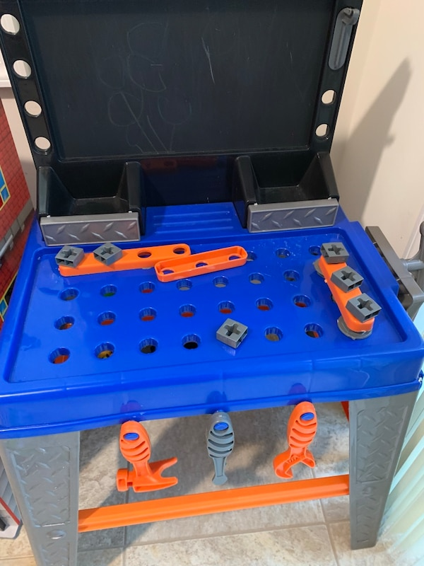 Kids Toy Work Bench with tools