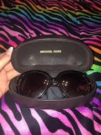 Michael Kors sunglasses with original case and cleaner Abilene, 79602