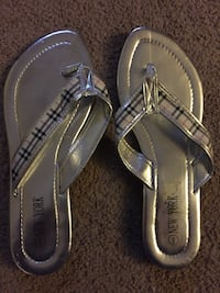 pair of brown leather thong sandals Northwood, 03261