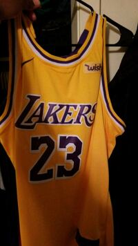 Lebron Lakers 23 jersey. Real deal... Sherwood, 72120