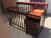 Crib mini with mattress and changing table  Long Beach, 90808