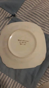 round white ceramic plate with lid Cookeville, 38506