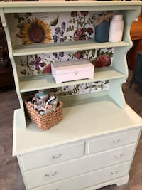 Floral bakers hutch Brant, N0E 1A0
