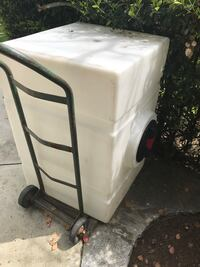 100 Gallon Water tank good for pressure washing or auto detail.