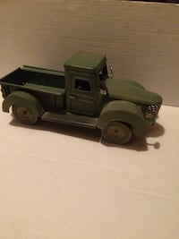 Old metal an usual truck very good condition Albany